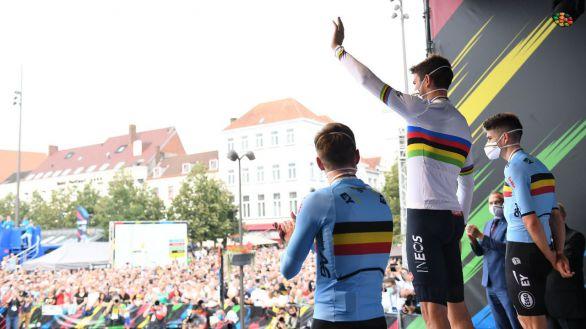 Mundial de ciclismo. Un imponente Ganna revalida arcoiris aguando la fiesta belga