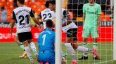 El Valencia rasca un empate frente al Athletic con 10 y en el descuento | 1-1