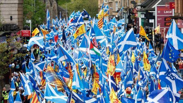 Miles de escoceses secundan la primera gran marcha independentista desde 2020