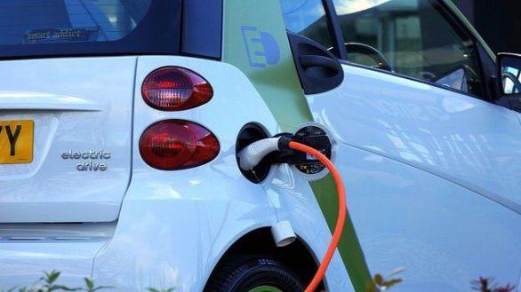 Santander MAPFRE lanza la Gama Eco, un seguro para vehículos eléctricos e híbridos enchufables