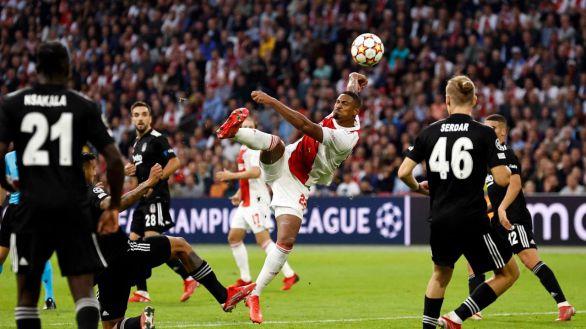 Haller suma su quinto gol con el Ajax frente al Besiktas   2-0