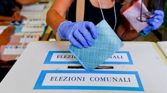 Italia vota este domingo y lunes para elegir alcaldes en Milán, Roma, Nápoles y Turín
