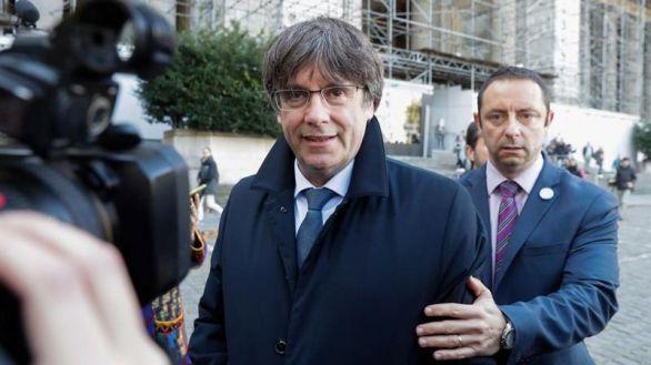El TC avala la vigencia de las órdenes de detención contra Puigdemont