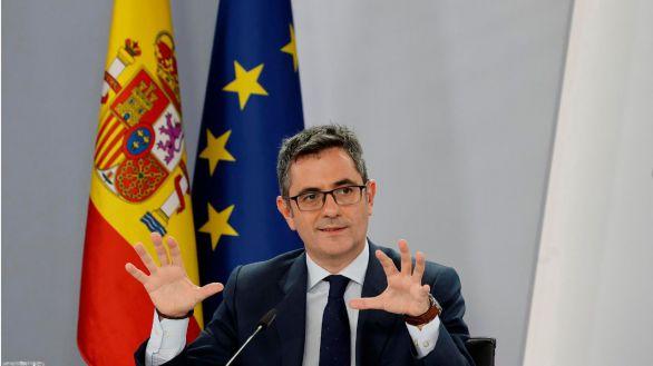 El Gobierno cede ante ERC: catalán en la ley audiovisual y el control del cercanías