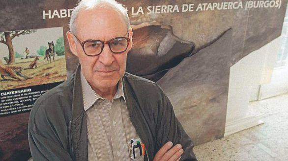 Muere Emiliano Aguirre, padre de las excavaciones en Atapuerca