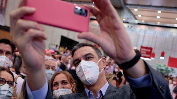 Sánchez ordena a sus ministros crear instituciones con sede fuera de Madrid