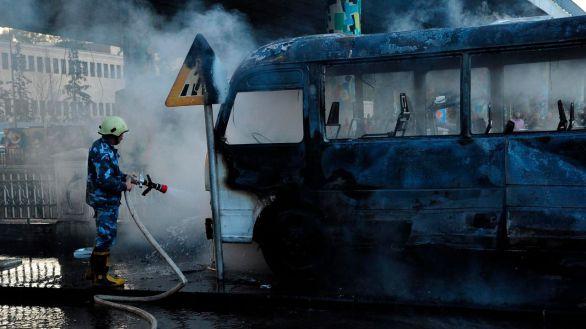 Al menos 14 muertos por la explosión de dos bombas en un autobús militar en Damasco