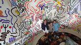 Juan Ramos (c), propietario de Cultura Commodore, junto al arquitecto y diseñador argentino Luis Galliussi (izq.) y el el chef mexicano Ernesto Diomar (d).
