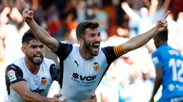 El Valencia logra un empate in extremis ante un Mallorca con diez |2-2