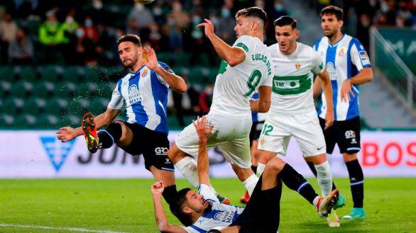 Elche y Espanyol se reparten puntos en un entretenido duelo |2-2