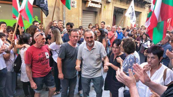 El PSOE ampara los homenajes a etarras como