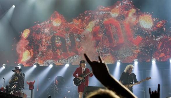 El rock se impone a las polémicas: AC/DC 'incendia' Sevilla