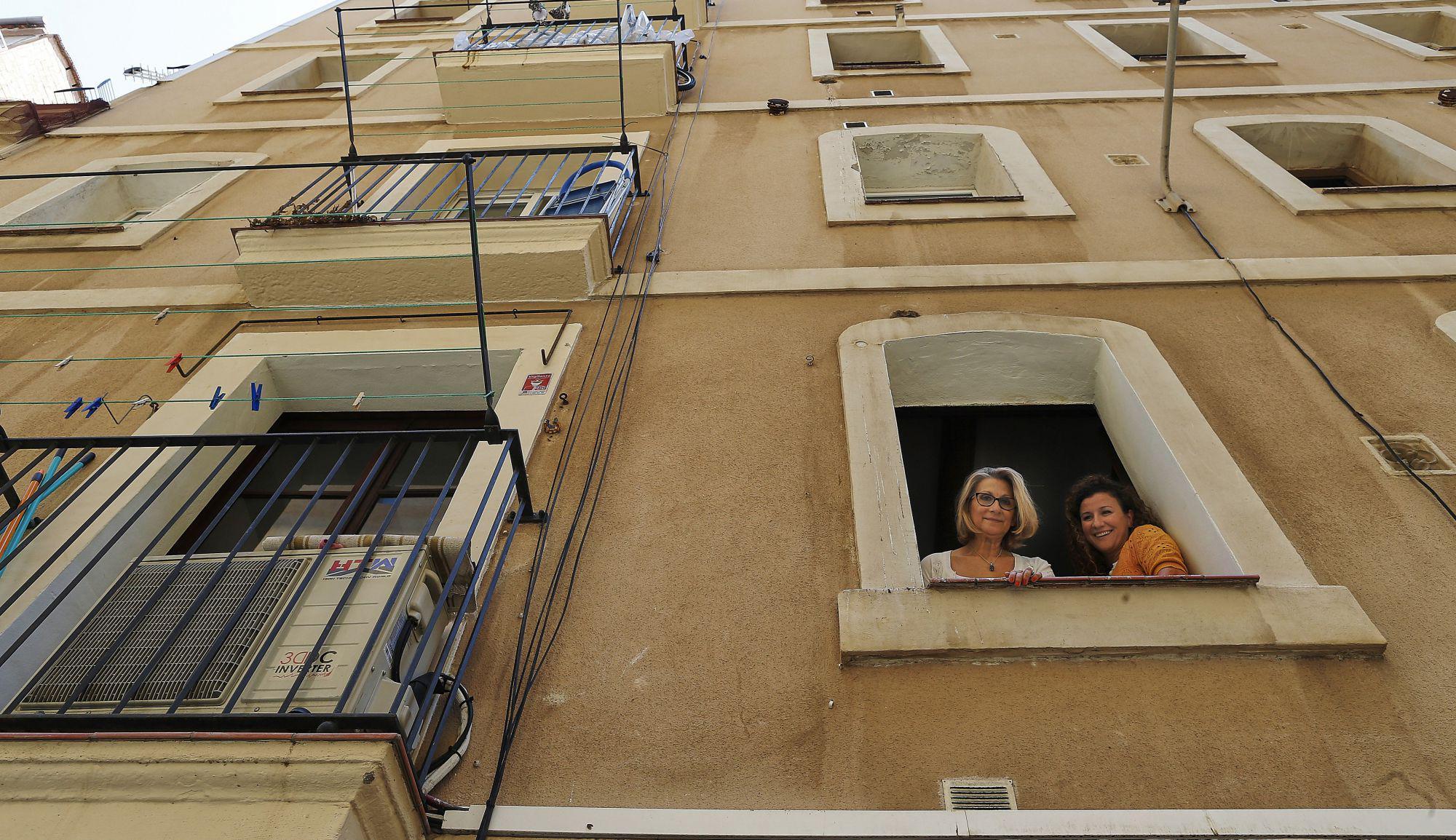 Barcelona impone una multa de euros a airbnb por for Piso 600 euros barcelona