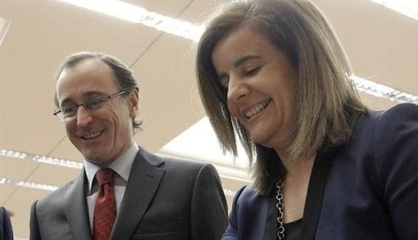 Fátima Báñez releva a Alfonso Alonso al frente de la cartera de Sanidad