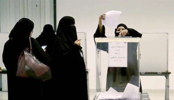 Arabia Saudí tendrá mujeres por primera vez en sus consejos municiaples