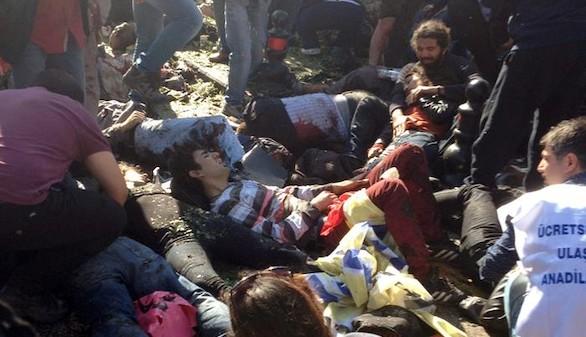 Al menos 95 muertos en el brutal atentado de Turquía