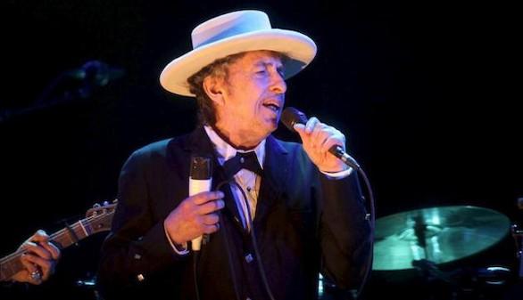 Pocas concesiones a la nostalgia de un Dylan que hizo honor a su mito