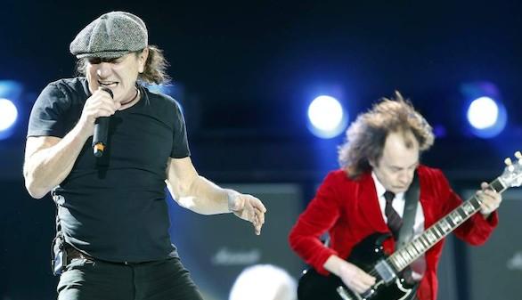 El mítico vocalista de AC/DC, Brian Johnson, en riesgo de sordera total