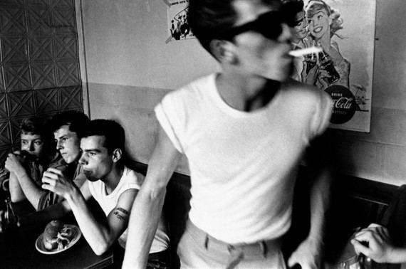 Brooklyn, Nueva York, 1959. Copia vintage © Bruce Davidson/Magnum Photos
