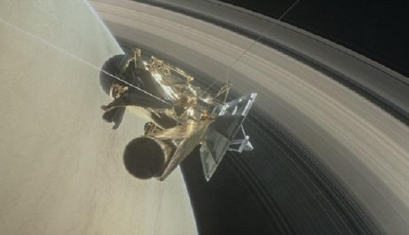 Cassini, tras 13 años de exitoso examen in situ de Saturno, llega a su fin