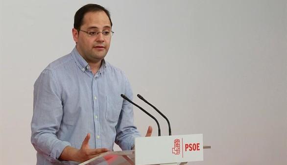 El PSOE 'nunca' formará Gobierno con los populares