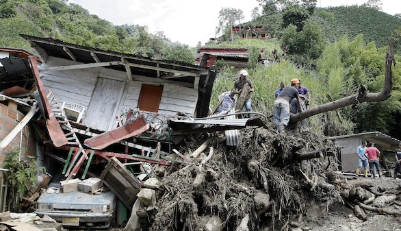 Nueva tragedia natural en Colombia: al menos 61 muertos en una avalancha