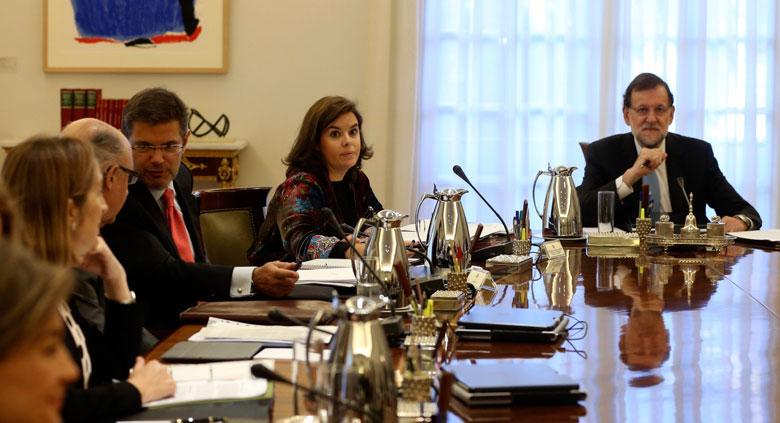 Reunido el Consejo de Ministros para recurrir al Constitucional la resolución secesionista