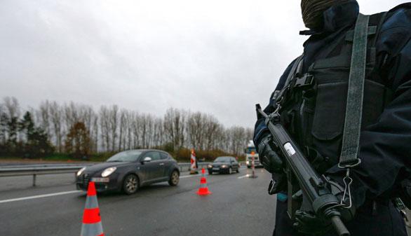 Nueva noche de registros en Francia con otros 128 domicilios
