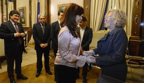 Cristina Fernández recibe a Carmena en la Casa Rosada