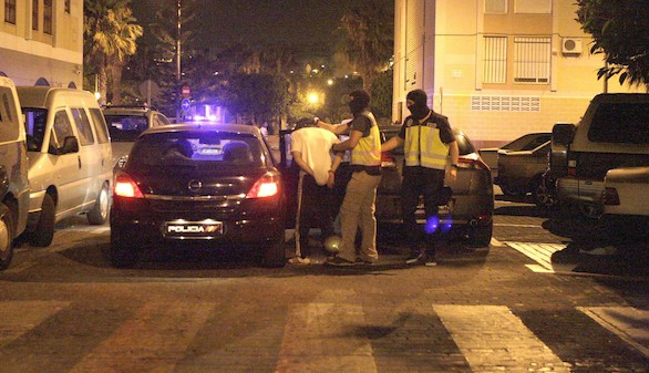 Detenido en Melilla un hombre que adoctrinaba y captaba mujeres para EI