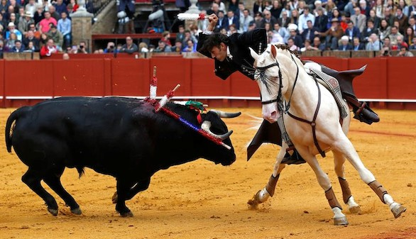 Diego Ventura vuelve a perder su undécima salida por la Puerta del Príncipe
