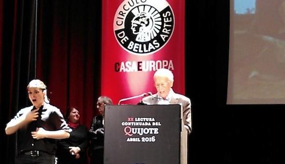 El filósofo Emilio Lledó concluye la tradicional lectura del Quijote
