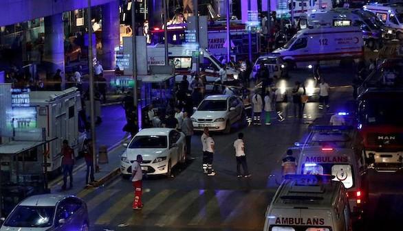 El brutal atentado en Estambul deja al menos 42 muertos
