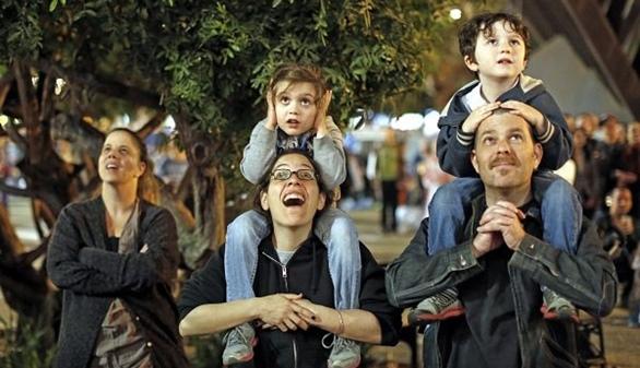 Los partidos celebran el día de la familia con promesas electorales