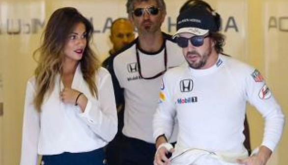 Fernando Alonso y Lára Álvarez han roto