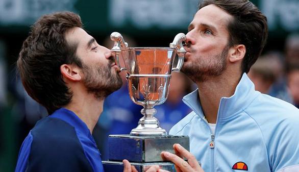 Feliciano y Marc López se imponen en la final de dobles