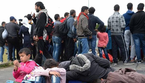 Austria envía al Ejército a la frontera con Hungría para ayudar a la Policía