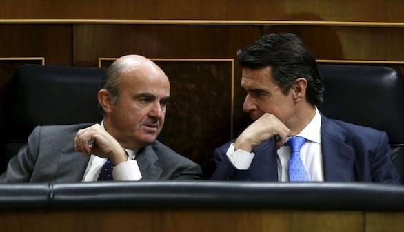 El Congreso obliga a De Guindos a explicar en pleno urgente el 'caso Soria'