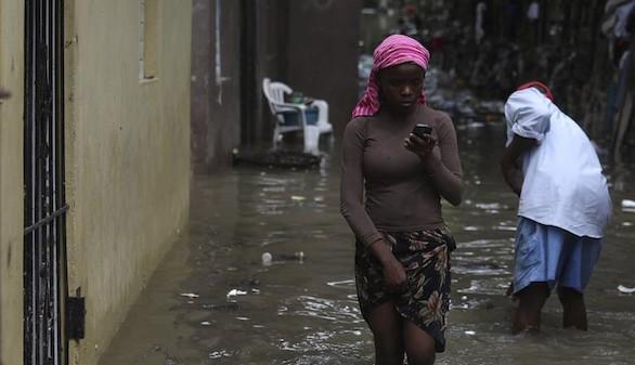 Mathew deja tras de sí el caos y la muerte a su paso por el Caribe