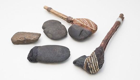 Ejemplos de hachas similares al encontrado en Australia