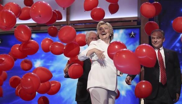 Unidad y optimismo en el futuro, las claves de la propuesta de Clinton