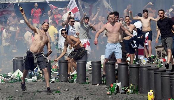 Dos turistas españoles, agredidos por 'hooligans' rusos en Alemania