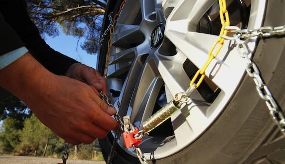 ¿Cómo colocar las cadenas al coche sin complicaciones?