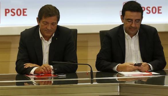 La gestora del PSOE advierte a Rajoy de que no aceptará condiciones