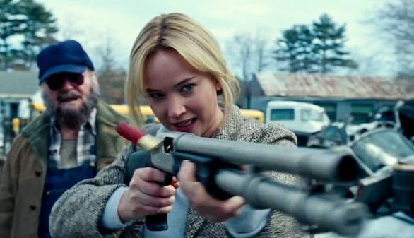 Joy: Jennifer Lawrence o por qué hablar de fregonas