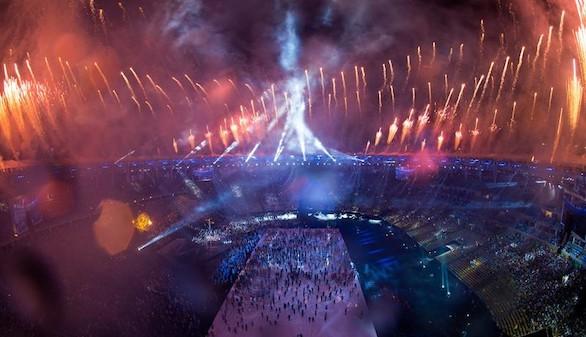 Maracaná acoge con una fiesta tropical la llama paralímpica