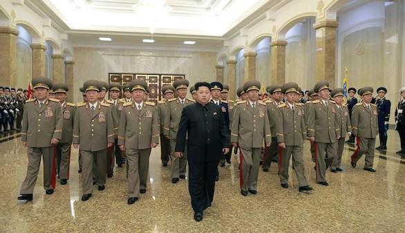 Kim Jong-un ordena a sus tropas fronterizas que estén listas para el combate