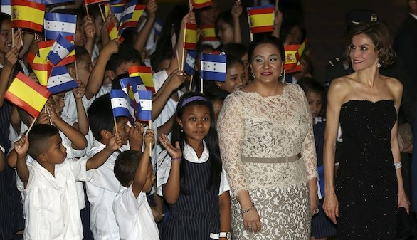 La Reina Letizia inaugura en Honduras sus viajes de cooperación internacional
