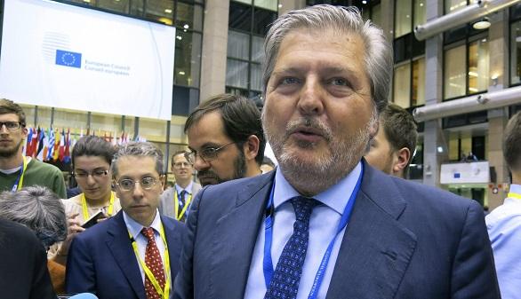 Crisis de Gobierno: Rajoy se limita a nombrar a un nuevo ministro de Cultura