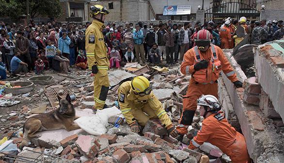 El número de muertos en Nepal supera los 6.200 y la ONU alerta de más víctimas en zonas rurales